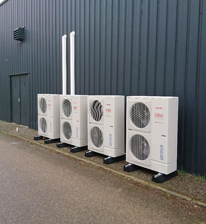 groupes extérieur de climatisation pour équiper un magasin