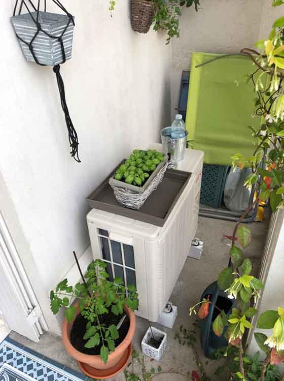 groupe extérieur clim sur un balcon