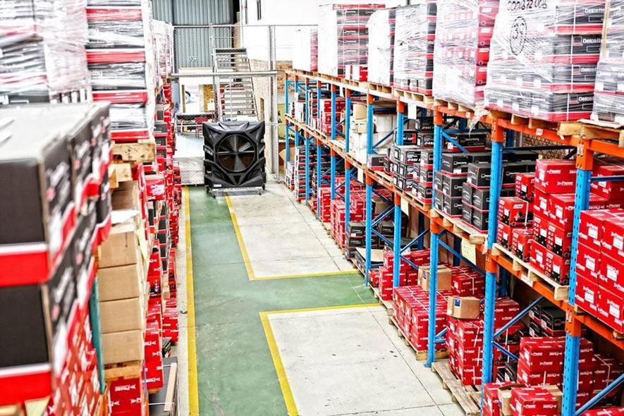entrepôt de rafraîchisseurs d'air industriels foxair