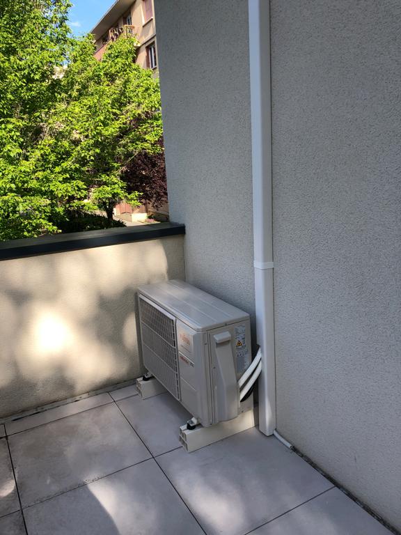 groupe de climatisation extérieur à bron