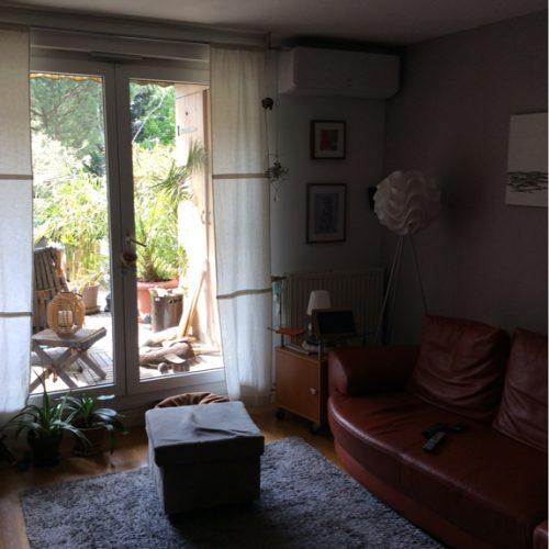 installation climatiseur réversible à villeurbanne dans salon